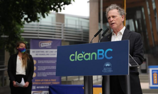 BC Approves Municipal Bans on Single Use Plastic